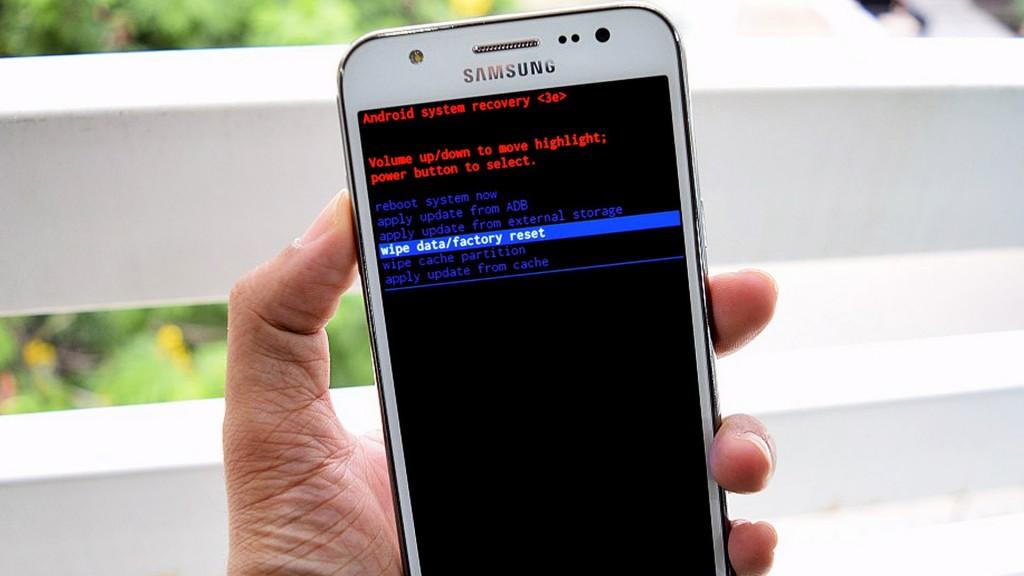 cara Hard Reset Samsung J5 1